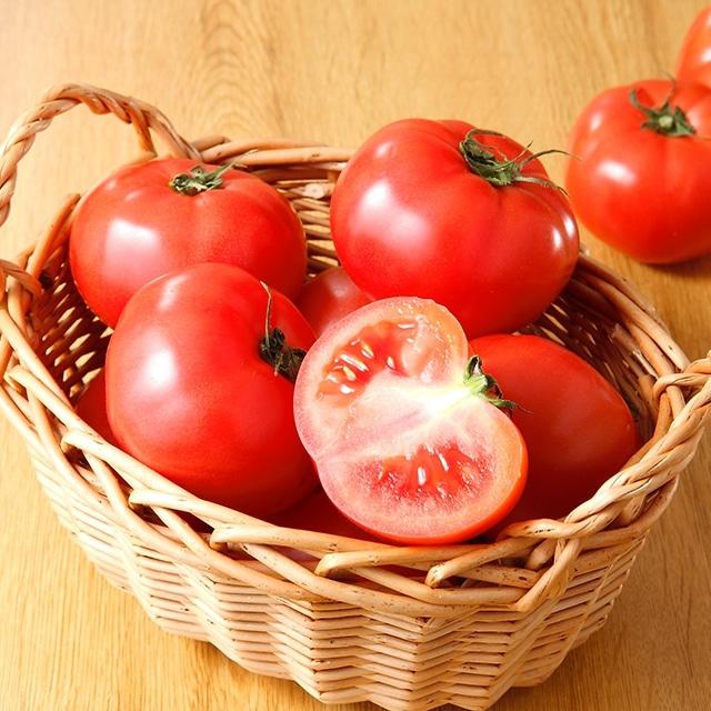 ワンダーファーム 大玉トマトりんか1.5kg 送料込