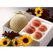 北海道赤肉メロンと桃 赤肉メロン1玉、桃4玉 送料無料【2020SG】