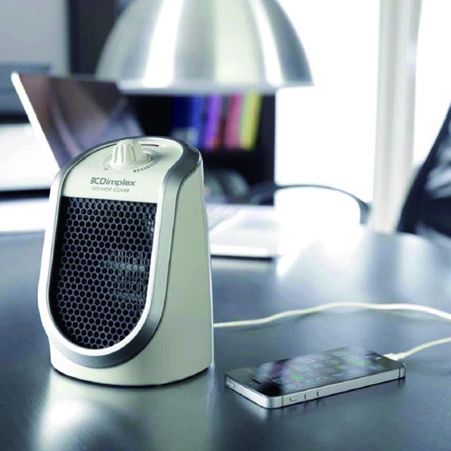 \ポイント5倍/<冬グッズ2019>USB付き卓上セラミックファンヒーター DDFJ250-w