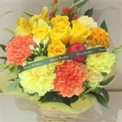 バラのアレンジメント イエロー系 籠花 生花 フラワーギフト 送料無料 誕生日 記念日 お祝い お花